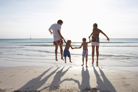 120-44990221_family_jumping_together_on_beach_majorca_spain.axghby_family_jumping_together_on_beach_majo.jpg-1