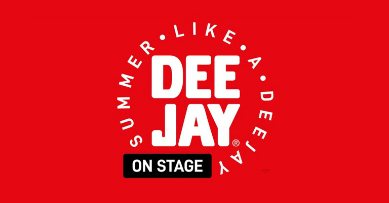 deejay on stage